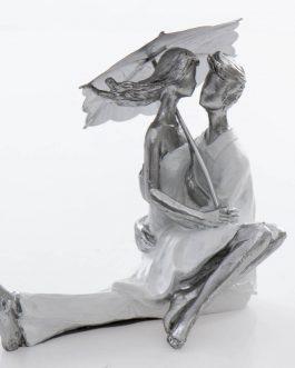 Figura pareja resina 18x10x17 cm.